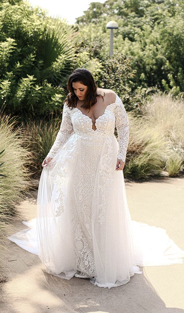 Bella by studio levana fotted all lcae plus size wedding dress with an over top tulle skirt