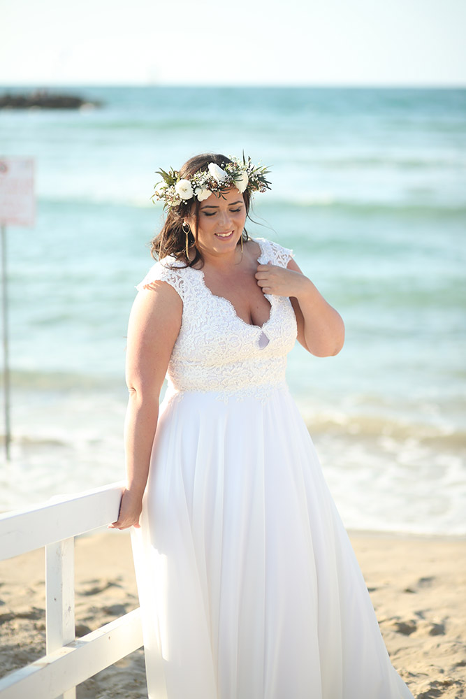 Dalia by studio levana plus size wedding dress with lace sculped nackline top and flowy shiffon skirt