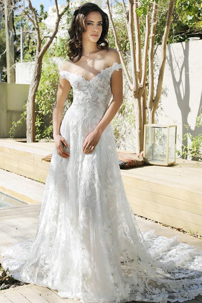 ניקול מבית סטודיו לבנה שמלת כלה מתחרה קלאסית מחשוף עם כתפיות נופלות חצאית עם שובל ארוך