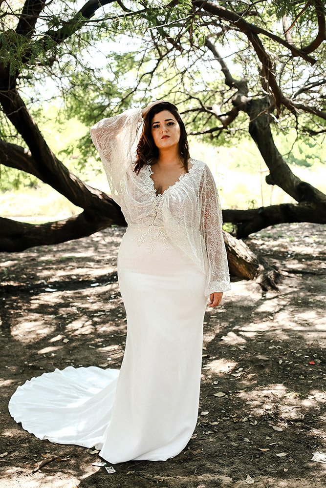 pluse size fitted wedding dress with batwing sleeve, sequind lace beaded lace