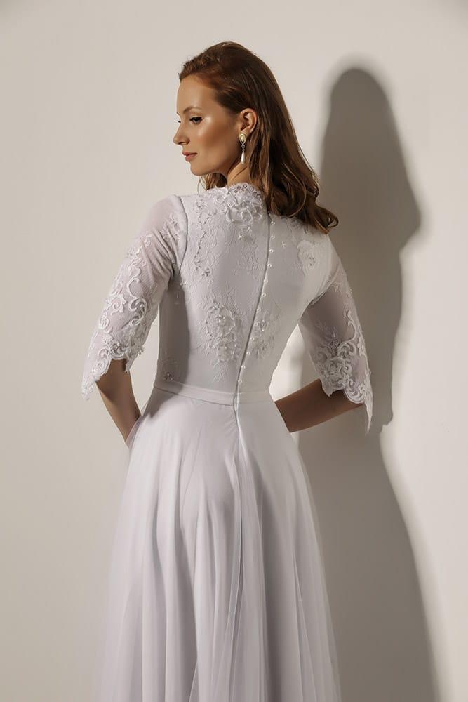 טריש מבית סטודיו לבנה שמלת כלה צנועה עם תחרת פיתוחים מחוזרת